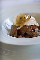 Europe/France/Bretagne/29/Finistère/Plomodiern:Tête de porc aux cèpes ,  recette d' Olivier Bellin de l'Auberge des Glazicks