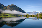 Austria; Styria; Styrian Salzkammergut; Ausseer Land, Goessl at Grundl Lake: autumn scene with early morning fog and lakeshore Villa Roth (also called Castle Grundlsee) | Oesterreich, Steiermark, Steirisches Salzkammergut, Ausseer Land, Goessl am Grundlsee: Herbststimmung mit Morgennebel, am Seeufer die Villa Roth auch Schloss Grundlsee genannt