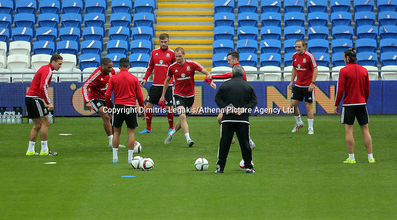 CARDIFF, WALES - SEPTEMBER 05: Shaun McDonald (C) in actiom during the Wales training session, ahead of the UEFA Euro 2016 qualifier against Israel, at the Cardiff City Stadium on September 5, 2015 in Cardiff, Wales.