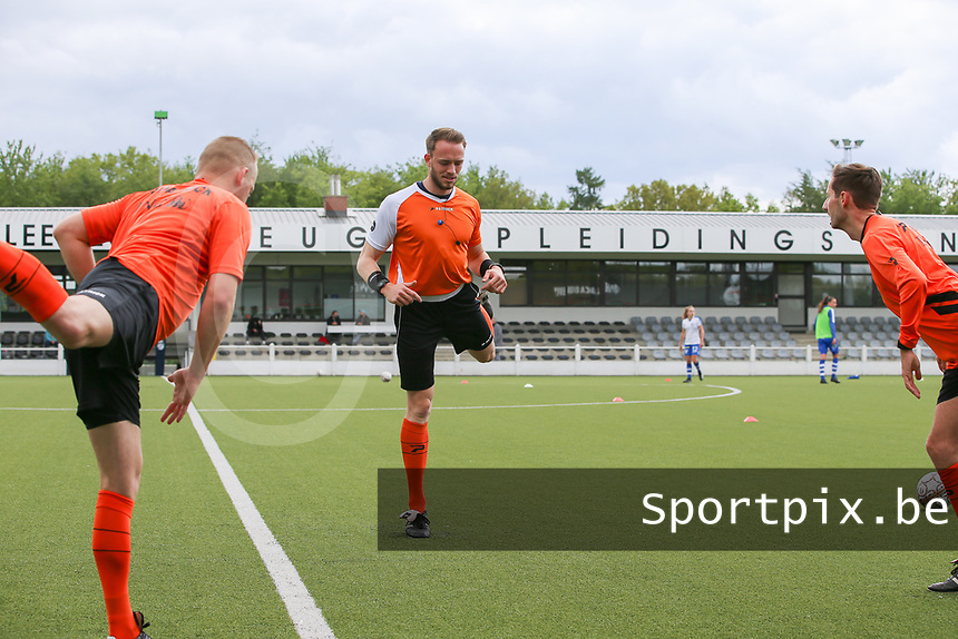 referee Tom Stevens with assistant referee Bryan Bijnens and Tom Dillen pictured during the warming up of a female soccer game between Oud Heverlee Leuven and AA Gent Ladies on the 9 th matchday of play off 1 in the 2020 - 2021 season of Belgian Womens Super League , saturday 22 nd of May 2021  in Heverlee , Belgium . PHOTO SPORTPIX.BE   SPP   SEVIL OKTEM