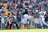 Jester Weah makes a touchdown catch. The Pitt Panthers defeated the Villanova Wildcats 28-7 at Heinz Field, Pittsburgh, Pennsylvania on September 3, 2016.