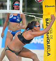 BARRANQUILLA - COLOMBIA, 30-07-2018:María Gonzalez (PRO) y Estefanía Bethancourt (GUA) en Voley playa .Juegos Centroamericanos y del Caribe Barranquilla 2018. /María Gonzalez (PRO)  and Estefania Bethancourt (GUA) in Beach volleyball of the Central American and Caribbean Sports Games Barranquilla 2018. Photo: VizzorImage /  Alfonso Cervantes /Contribuidor