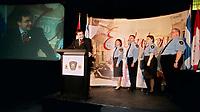 Le ministre Martin Cauchon lance le nouveau site web de l'agence canadienne des douanes et revenus, <br /> 1er Octobre 1999, <br /> <br /> <br /> PHOTO : Agence Quebec Presse