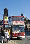 Deutschland, Freistaat Sachsen, Dresden: Bus, Stadtrundfahrt, Haltestelle | Germany, the Free State of Saxony, Dresden: sightseeing tour, city tours, bus stop