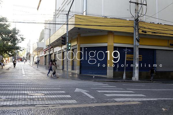 Campinas (SP), 03/03/2021 - Fase Vermelha - A Prefeitura de Campinas, no interior de Sao Paulo decidiu impor a fase vermelha do Plano Sao Paulo de flexibilizacao da quarentena na cidade devido a pressao extrema na rede de saude da cidade. Nos ultimos dias a cidade tem registrado um grande aumento de internacoes de covid-19, alem da tendencia de alta de novos casos. A mudanca comecou nesta quarta-feira (3) e e valida por 15 dias - ate o dia 16 de marco. (Foto: Denny Cesare/Codigo 19/Codigo 19)