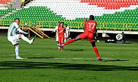 TUNJA-COLOMBIA, 25-10-2020: Jarlan Barrera de Atletico Nacional, patea para anotar gol a Patriotas Boyaca, durante partido de la fecha 16 entre Patriotas Boyaca y Atletico Nacional, por la Liga BetPlay DIMAYOR 2020, jugado en el estadio La Independencia de la ciudad de Tunja. / Jarlan Barrera of Atletico Nacional shoots to scored a goal to Patriotas Boyaca goal, during a match of the 16h date between Patriotas Boyaca and Atletico Nacional, for the BetPlay DIMAYOR League 2020 played at the La Independencia stadium in Tunja city. / Photo: VizzorImage / Macgiver Baron / Cont.