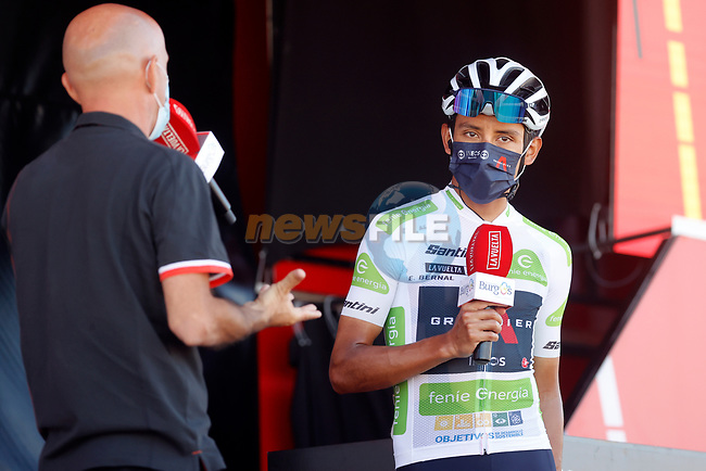 White Jersey Egan Bernal (COL) Ineos Grenadiers at sign on before the start of Stage 15 of La Vuelta d'Espana 2021, running 197.5km from Navalmoral de la Mata to El Barraco, Spain. 29th August 2021.     <br /> Picture: Luis Angel Gomez/Photogomezsport   Cyclefile<br /> <br /> All photos usage must carry mandatory copyright credit (© Cyclefile   Luis Angel Gomez/Photogomezsport)