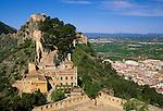 Spain, Costa del Azahar (Orange Blossom Coast), Jativa (Xativa) with castle El Castillo at Vernissa mountain | Spanien, Costa del Azahar - Kueste der Orangenbluete, Jativa (Xativa) mit der Burg (El Castillo) am Berg Vernissa