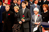 October 10, 2000 - file Photo - Montreal (Quebec) CANADA -<br /> <br /> leaving  the funeral of former Canadian Prime Minister, the Honorable Pierre Eliott Trudeau  held at the Notre-Dame Basilica in Montreal (QuÈbec, Canada) on October 10th, 2000 :  from left to right :<br /> Sacha Trudeau (26), Trudeau latest un married companion, Justin Trudeau (28), Former wife Margaret Sinclair - Trudeau and her mother.