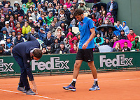 Paris, France, 22 june, 2016, Tennis, Roland Garros, Robin Haase (NED) challenges the umpire<br /> Photo: Henk Koster/tennisimages.com