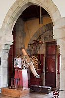 Europe/France/Aquitaine/64/Pyrénées-Atlantiques/Pays-Basque/Hendaye: Chateau d'Abbadia construit en 1870 par  Eugène Viollet-le-Duc pour Antoine d'Abbadie d'Arrast vu depuis le Domaine d'Abbadia - L'Observatoire et sa lunette mérdienne