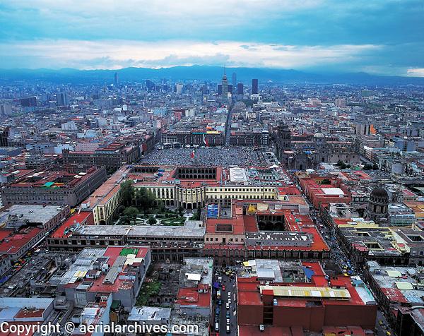 aerial photograph of the Palacio National and the Zocalo, Mexico City, Mexico | fotografía aérea del Palacio Nacional y el Zócalo, Ciudad de México, México