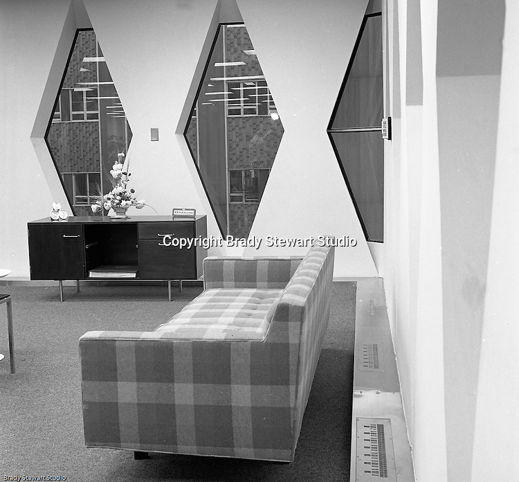 Pittsburgh PA: The new IBM Building located on Stanwix Street in downtown Pittsburgh. View of one of the offices and furniture in the building.<br /> The unique design was created by Curtis and Davis Architects and structural engineers John Skilling and Leslie Robertson. Robinson and Skilling also worked together on the twin towers in New York's World Trade Center.<br /> IBM later sold the building to the United Steel Workers of America and moved to the North Side of Pittsburgh Allegheny Center.