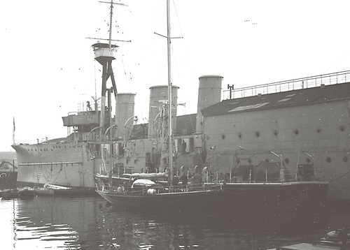 Bloodhound berthed at the RNVR's HMS Caroline in Belfast, September 1966. Photo: W M Nixon
