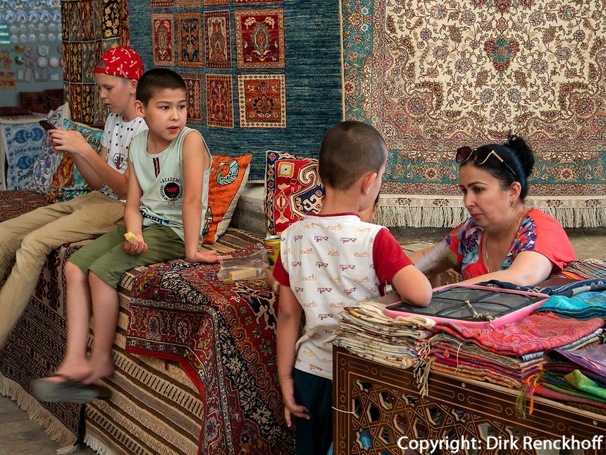 Auf dem Basar, Buchara, Usbekistan, Asien<br /> Bazaar, Historic City of Bukhara, Uzbekistan, Asia