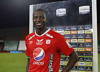 MEDELLIN- COLOMBIA, 28-11-2020.Adrian Ramos del America.Atlético Nacional  Y América de Cali  en partido por los cuartos de final vuelta como parte de la Liga BetPlay DIMAYOR 2020 jugado en el estadio Atanasio Girardot de la ciudad de Medellín. / Adrian Ramos del America.Atletico Nacional and America de Cali  in match for the quarterfinal second leg as part of BetPlay DIMAYOR League 2020 played at Atanasio Girardot stadium in Medellin. Photo: VizzorImage / Juan Augusto Cardona / Contribuidor