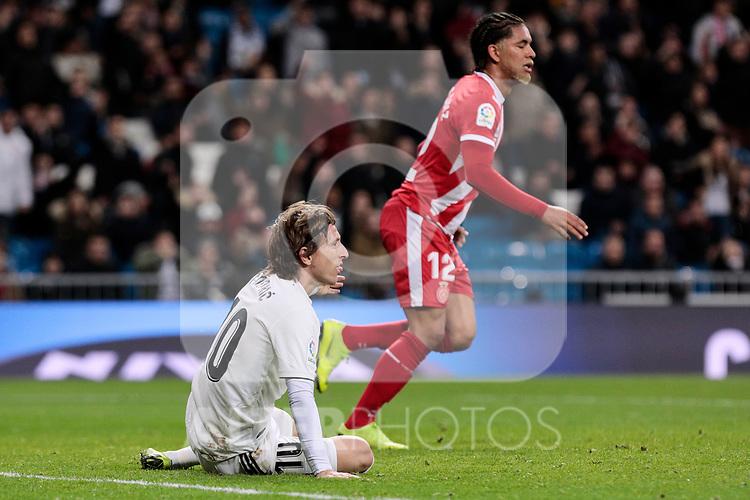 Real Madrid's Luka Modric and Girona FC's Douglas Luiz during Copa del Rey match between Real Madrid and Girona FC at Santiago Bernabeu Stadium in Madrid, Spain. January 24, 2019. (ALTERPHOTOS/A. Perez Meca)