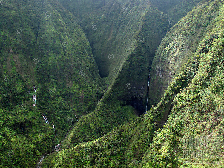 Molokai, Pelekunu Valley and waterfalls