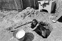 - Mozambique 1993, Maputo, barrio Xipamanine <br /> <br /> - Mozambico 1993, Maputo, barrio Xipamanine