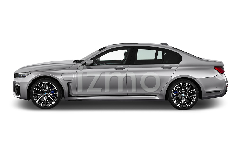 Car driver side profile view of a 2020 BMW 7-Series  M-Sport 4 Door Sedan