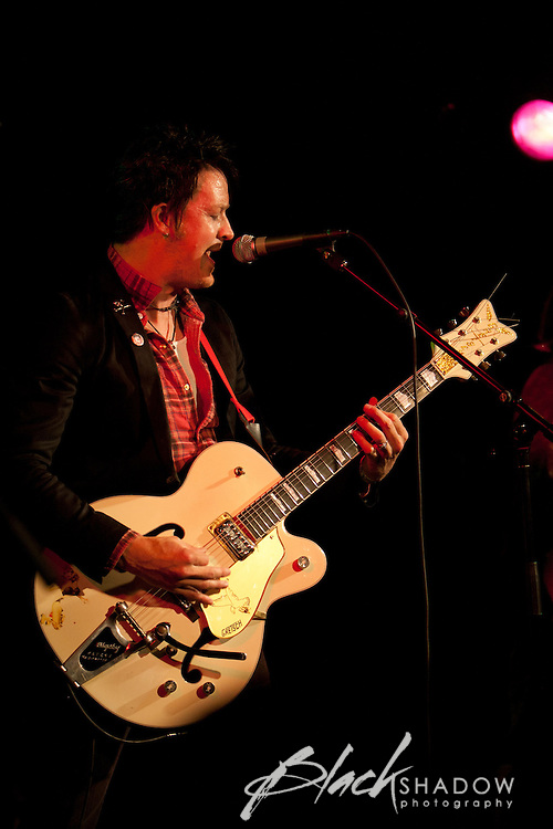 Chris Cheney performing at The Age EG Awards, The Prince of Wales, Melbourne, 23 November 2011