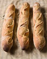 Europe/France/Ile-de-France/75009/Paris: Baguette  parisienne d'Arnaud Delmontel Boulanger 39 rue des Martyrs - Stylisme : Valérie LHOMME