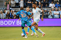 KANSAS CITY, KS - MAY 29: Khiry Shelton #11 Sporting KC with the ball during a game between Houston Dynamo and Sporting Kansas City at Children's Mercy Park on May 29, 2021 in Kansas City, Kansas.
