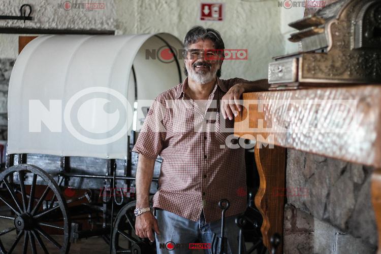 retaro de restaurantero en la colonia Piedra Bola.<br /> Carreta antigua. Rustico