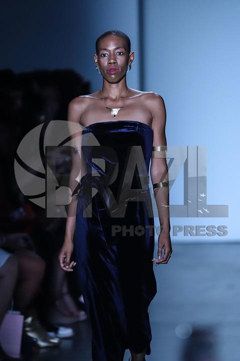 NOVA YORK, EUA, 08.09.2018 - MODA-EUA - Modelo durante desfile da grife Atalanka durante na semana da moda de Nova York nos Estados Unidos neste sábado, 8. (Foto: Vanessa Carvalho/Brazil Photo Press)
