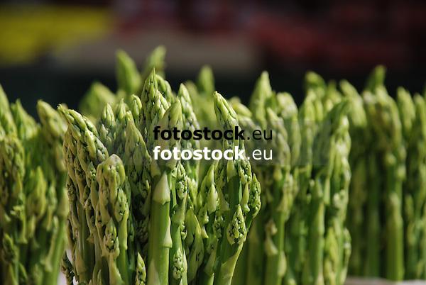 grüner Spargel<br /> <br /> green asparagus<br /> <br /> ésparrago verde
