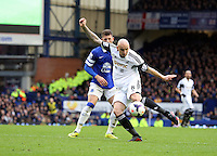 Pictured: Jonjo Shelvey of Swansea shoots wide. Saturday 22 March 2014<br /> Re: Barclay's Premier League, Everton v Swansea City FC at Goodison Park, Liverpool, UK.