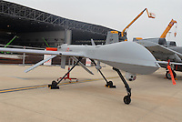 "- Italian Air Force, Unmanned Aerial Vehicle (UAV) General Atomics RQ-1A ""Predator"" ....- Aeronautica Militare Italiana, velivolo senza pilota (UAV) General Atomics RQ-1A ""Predator"""