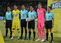 MEDELLÍN -COLOMBIA - 16-07-2017: Hervin Otero (con el balón), árbitro, Yulian Anchico, capitan del Bucaramanga, Franco Armani, capitan del Nacional, y los jueces asistentes posan durante los actos protocolarios previo al partido entre Atlético Nacional y Atlético Bucaramanga por la fecha 2 de la Liga Águila II 2017 jugado en el estadio Atanasio Girardot de la ciudad de Medellín. / Hervin Otero (with the ball), referee, Yulian Anchico, captain of Bucaramanga, Franco Armani, captain of Nacional during the formal events prior the match between Atletico Nacional and Atletico Bucaramanga during match for the date 2 of the Aguila League II 2017 at Atanasio Girardot stadium in Medellin city. Photo: VizzorImage/León Monsalve/Cont