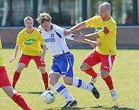 KFC Lichtervelde - KVC Ardooie : duel tussen Thibault Tanghe (links) en Gregory Blondeel (r)<br /> Foto VDB / Bart Vandenbroucke