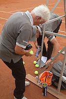 12-8-09, Den Bosch,Nationale Tennis Kampioenschappen, 1e ronde, Ballenwissel
