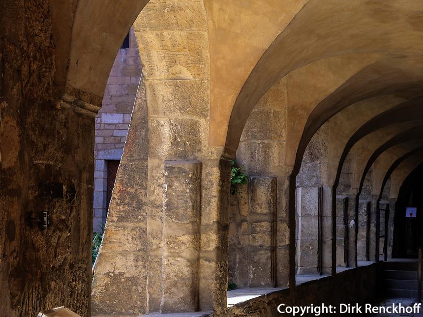 Kreuzgang des Mariendom,  Hildesheim, Niedersachsen, Deutschland, Europa, UNESCO Weltkulturerbe<br /> cloister in Cathedral of St. Mary Hildesheim, Lower Saxony, Germany, Europe, UNESCO Heritage Site