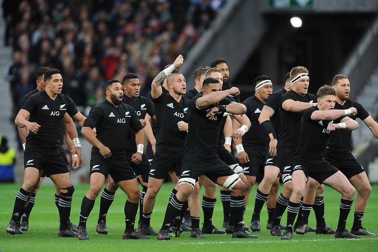 TJ Perenara of New Zealand leads the Haka during the 125th Anniversary Match between Barbarians and New Zealand at Twickenham Stadium on Saturday 4th November 2017 (Photo by Rob Munro/Stewart Communications)