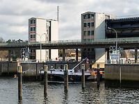 Tankschiff Dettmer Tank 48 in der Schleuse, Elbe bei Geesthacht, Schleswig-Holstein, Deutschland <br /> tanker  Dettmer Tank 48 passing the lock, River Elbe near Geesthacht, Schleswig-Holstein, Germany