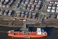 Tanker Gionanni DP beim Vopak Dupeg Terminal Hamburg: EUROPA, DEUTSCHLAND, HAMBURG, (EUROPE, GERMANY), 01.03.2013: Tanker Gionanni DP beim Vopak Dupeg Terminal Hamburg an der Rethe