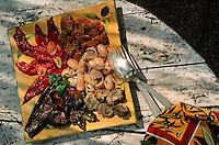 France/06/Alpes Maritimes/Nice/Arrière pays niçois: Détail hors-d'oeuvre à la niçoise: tomates, aubergines et autres légumes du pays