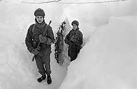 - NATO exercises AMF (Allied Mobil Force) in Norway, february 1986; soldiers of the Royal Norwegian Army <br /> <br /> - Esercitazioni NATO AMF (Allied Mobil Force) in Norvegia, febbraio 1986; militari del Reale Esercito Norvegese