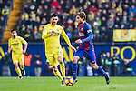 Sergi Roberto Carnicer (r) of FC Barcelona competes for the ball with Roberto Soriano of Villarreal CF during their La Liga match between Villarreal and FC Barcelona at the Estadio de la Cerámica on 08 January 2017 in Villarreal, Spain. Photo by Maria Jose Segovia Carmona / Power Sport Images