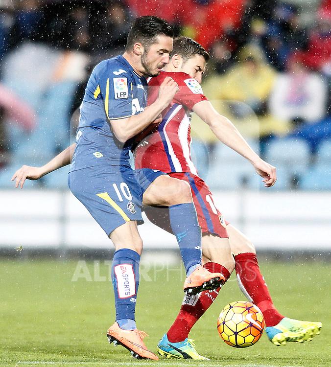 Getafe's Pablo Sarabia (l) and Atletico de Madrid's Gabi Fernandez during La Liga match. February 14,2016. (ALTERPHOTOS/Acero)