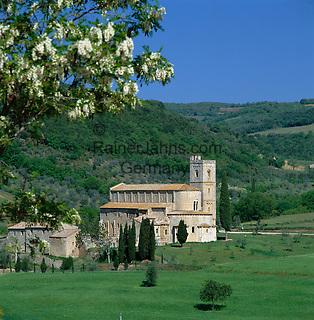 Italy, Tuscany, near Castellnuovo dell Abate: Abbey St. Antimo - Benedictine Monastery | Italien, Toskana, bei Castellnuovo dell Abate: Benediktinerkloster San Antimo