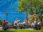 Schweiz, Tessin, Ascona am Lago Maggiore: Café Castello an der Promenade mit Park und direkt am See | Switzerland, Ticino, Ascona at Lago Maggiore: cafes and restaurants at the promenade