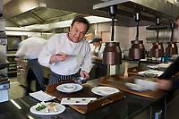 Europe/France/Rhone-Alpes/74/Haute-Savoie/Megève: Emmanuel Renaut dit Manu en cuisine - Restaurant: Flocons de Sel - Route de Rochebrune