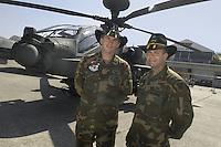 - crew of an anti tank combat helicopter Apache  based in Germany with cavalry hat (USA)....- equipaggio di un elicottero da combattimento anticarro Apache di stanza in Germania con il cappello della cavalleria (USA)