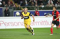Florian Kringe (BVB) verfolgt von Junichi Inamoto (Eintracht)<br /> Eintracht Frankfurt vs. Borussia Dortmund, Commerzbank Arena<br /> *** Local Caption *** Foto ist honorarpflichtig! zzgl. gesetzl. MwSt. Auf Anfrage in hoeherer Qualitaet/Aufloesung. Belegexemplar an: Marc Schueler, Am Ziegelfalltor 4, 64625 Bensheim, Tel. +49 (0) 6251 86 96 134, www.gameday-mediaservices.de. Email: marc.schueler@gameday-mediaservices.de, Bankverbindung: Volksbank Bergstrasse, Kto.: 151297, BLZ: 50960101