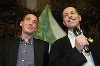 "UNGARN, 11.04.2010. Budapest. Parlamentswahl. Wahlnacht der neuen gruenen Partei LMP (Lehet Mas a Politika, Politik kann anders sein) im Szenelokal ""instant"". Die LMP ist mit 7,5% die Ueberraschungssiegerin der Wahl. Vorstandssprecher Benedek Javor und Andras Schiffer. - Parliamentary elections. Election night with the new green party LMP (politics can be different) at the ""instant"" in-pub. LMP gets 7,5% and is the surprise winner of the elections. Steering committee speakers Benedek Javor and Andras Schiffer..© Martin Fejer/EST&OST."
