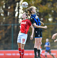Standard's Charlotte Cranshoff (left) pictured in a fight for the ball with Marie Minnaert (13 Brugge) during a female soccer game between Standard Femina de Liege and Club Brugge YLA on the seventh matchday of the 2020 - 2021 season of Belgian Scooore Womens Super League , saturday 14 th of November 2020  in Angleur , Belgium . PHOTO SPORTPIX.BE | SPP | DAVID CATRY